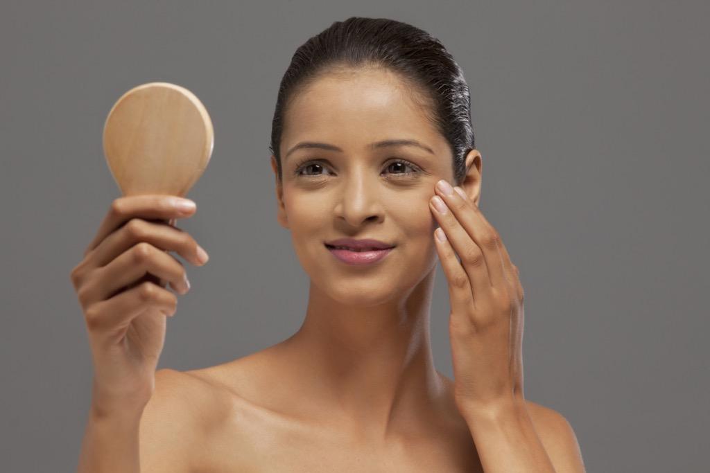 ridules de la peau 30 ans, maquillage pour les femmes plus âgées