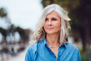 Tips-for-Caring-for-Your-Hair-in-Your-50s-and-60s